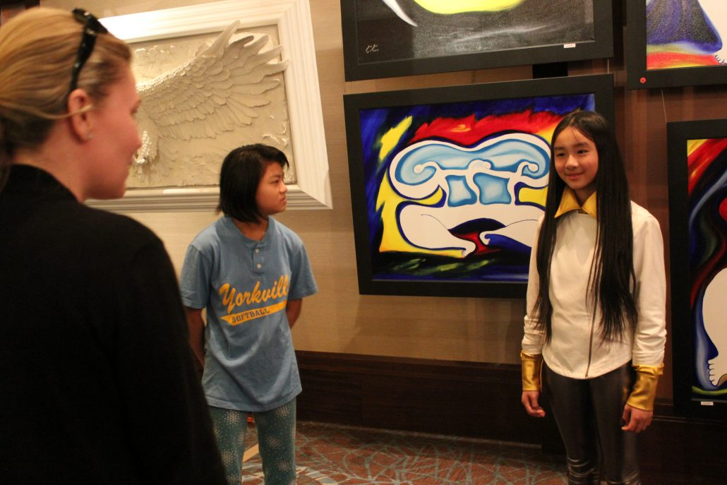 Zoe Yin age 9 with collectors and fan in Vegas 2010